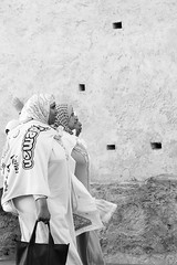 Trois copines (e_Ag) Tags: streetphotography rabat