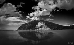 Rodiles (Jose Antonio. 62) Tags: spain espaa asturias villaviciosa rodiles clouds nubes beach reflection reflejo playa agua water beautiful bw blancoynegro blackandwhite photography