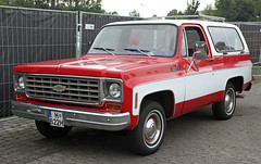 Blazer Custom Deluxe (The Rubberbandman) Tags: street mag show hannover hanover chevy chevrolet blazer custom deluxe suv sports utility vehicle 4x4 offroad offroader america american car german germany k5 red road school simpsons us usa canyonero auto fahrzeug outdoor laster