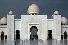 ABU-DHABI: Sheikh Zayed Grand Mosque (filippo.bonizzoni) Tags: photography photo uae mosque emirates abudhabi reportage moschea emirati sheikhzayedgrandmosque photographyreportageadvertisementexpo