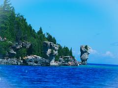 Flowerpot Island (ildikoannable) Tags: tobermory flowerpotisland flowerpot rocks rockformation cliff water