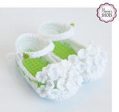 Queen Anne's Lace shoes (Maria Kłopotowska) Tags: queen annes lace shoes effner flower white green littledarling slippers doll crochet