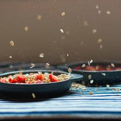 Crumble con fresas (geniavaphoto) Tags: stilllife food photo sweet comida crumble fotografia bodegon fresa foodphotography reposteria foodstyling fotografíadealimentos
