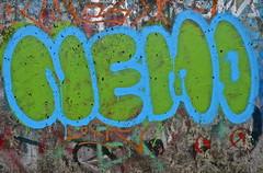 Käpten (web.werkraum) Tags: urban streetart color berlin green history germany deutschland typography graffiti colorful europa artist expression wand tag ks tags idol lettering dual grün documentation now typo neighbor utopia nahaufnahme beton julesverne zeichen typographie jetzt 2015 versalien dokumentation berlinpankow wegzeichen streetartberlin auftauchen vertrautheit bildfindung berlinerkünstlerin tagesnotiz webwerkraum karinsakrowski käptennemo