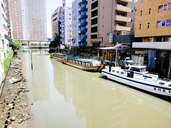 Tokyo Bay (Dick Thomas Johnson) Tags: sea japan tokyo boat    minato tokyobay   yakatabune