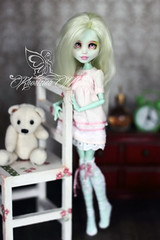 Dandelion (Khorizina_Mary) Tags: monster high doll ooak frankie repaint