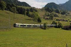 BLS Ltschbergbahn Ltschberger RABe 535 unterwegs bei Oberwil im Simmental im Berner Oberland im Kanton Bern der Schweiz (chrchr_75) Tags: chriguhurnibluemailch christoph hurni schweiz suisse switzerland svizzera suissa swiss chrchr chrchr75 chrigu chriguhurni mai 2015 albumzzz201505mai bahn eisenbahn schweizer bahnen train treno zug hurni150529 kantonbern albumbahnenderschweiz albumbahnenderschweiz201516 albumblsltschbergbahn bls ltschbergbahn juna zoug trainen tog tren  lokomotive  locomotora lok lokomotiv locomotief locomotiva locomotive railway rautatie chemin de fer ferrovia  spoorweg  centralstation ferroviaria