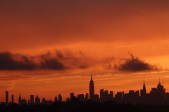 2016July25 (6) (ShellyS) Tags: sunset sunsets skyline skylines nyc newyorkcity manhattan queens sky clouds