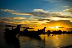 TALING NGAM     Koh Samui, Thailand (ernesto teruya) Tags: sunset beach boat fishingboat thailand kohsamui
