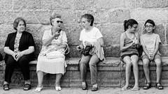 Compostela, julio 2016 (@bomeor) Tags: santiagodecompostela galicia espaa es 50mm airelibre blackandwhite blancoynegro candid children city fotourbana fotografacallejera fotografadecalle fotografaurbana gente mujer nios people personas robado robados street streetphotography streetphotographybw streetphotographybn streetcapture streetlife streetphoto urban woman