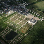 Chateaux Tour No 3 - into controlled airspace to see the incredible gardens of Villandry