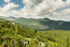 W stronę Doliny Gąsienicowej z żółtego szlaku na Krzyżne (czargor) Tags: outdoor inthemountain mountians landscape nature tatry mountaint igerspoland