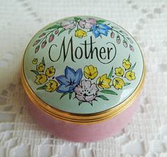Crummles English England Enamels Trinket Pill Box ~ Mother Flowers Pink w Box (Donna's Collectables) Tags: crummles english england enamels trinket pill box ~ mother flowers pink w