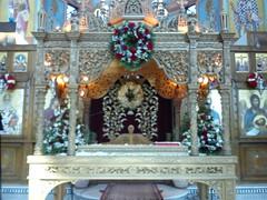 Επιτάφιος εκκλησίας Αγίου Αθανασίου Αιγίου Achaia Greece DSC03779 (amalia_mar) Tags: λουλούδια εκκλησία λευκό άνοιξη κόκκινο πάσχα στεφάνι επιτάφιοσ άγιοσαθανάσιοσ sonyericssone10i μπαρασκευή