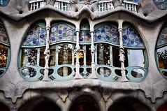 Batll (Marco Forgione) Tags: barcelona window architecture spain arquitectura finestra gaudi catalunya matrimonio architettura barcellona spagna 2012 catalana gaud battlo espanya viaggiodinozze facciata gaud