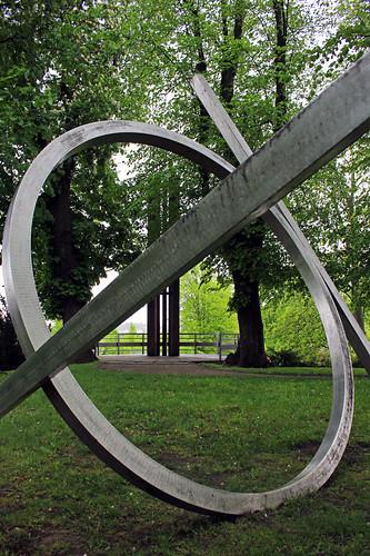 "Innerhalb des Ringes • <a style=""font-size:0.8em;"" href=""http://www.flickr.com/photos/69570948@N04/17278466183/"" target=""_blank"">Auf Flickr ansehen</a>"