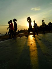 Six friends (siregarlandong) Tags: friends sunset people orange silhouette yellow sunday balikpapan afternoonsunset yellowsunset lapanganmerdeka