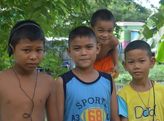 boys with the pesky younger boy they didn't want in the photo (the foreign photographer - ) Tags: friends boys portraits thailand four nikon brothers bangkok bang bua khlong bangkhen d3200 jun112016nikon