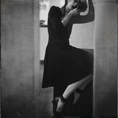 la Vivian Maier project (RapidHeartMovement) Tags: selfportrait portrait lavivianmaier mirrored blackwhite rapidheartmovement selfwcamera
