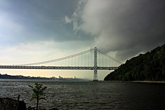Clouds moving into NYC (maxj75) Tags: ny nj newyork newjersey palisades georgewashingtonbridge gwbridge gw hudsonriver river rainclouds manhattan