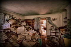 The Abandoned House (Crisp-13) Tags: hdr abandoned house urbex decay lounge living room sitting newspapers sun