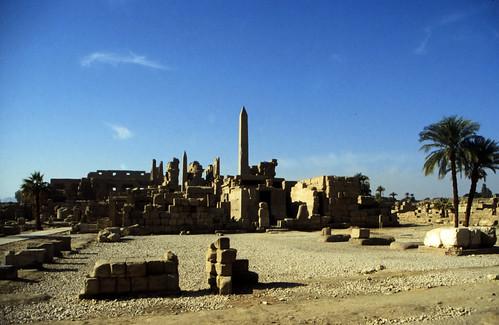 "Ägypten 1999 (324) Karnak-Tempel: Tempel des Amun-Re • <a style=""font-size:0.8em;"" href=""http://www.flickr.com/photos/69570948@N04/28804284830/"" target=""_blank"">View on Flickr</a>"
