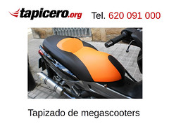 Tapizar asiento Tmax / Xmax (Tapicero de motos) Tags: tapizarscooter tapizado asiento moto tmax xmax barcelona tapicero