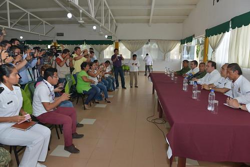 El gobernador, Javier Duarte de Ochoa, encabezó la reunión ordinaria del Grupo de Coordinación Veracruz