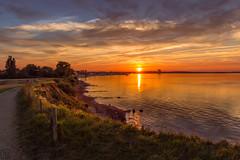 Sonnenuntergang an der Ostsee (LB-fotos) Tags: brodtenersteilufer deutschland germany niendorf ostholstein schleswigholstein sonne sonnenuntergang balticsea beach coast colorful kã¼ste ocean ostsee strand sun sunset