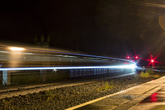 1Z87 Long Exposure (Rossco156433) Tags: kilmarnock scotland ayrshire eastayrshire train loco locomotive diesel engine class66 shed freight gbrf gbrailfreight gm generalmotors belmond luxury outdoor travel landcruise royalscotsman trainspotting longexposure 66733 lighttrails night nightime