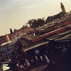 "place jema el-Fna (alt al-marib) | #marrakech #marrakesh #morroco #MA | #arab #street #streetart #people #world #travel #mosque (""guerrilla"" strategy) Tags: world street travel people streetart ma place mosque morroco arab marrakech marrakesh 