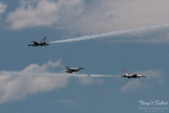 Air Force Thunderbirds converge on show center