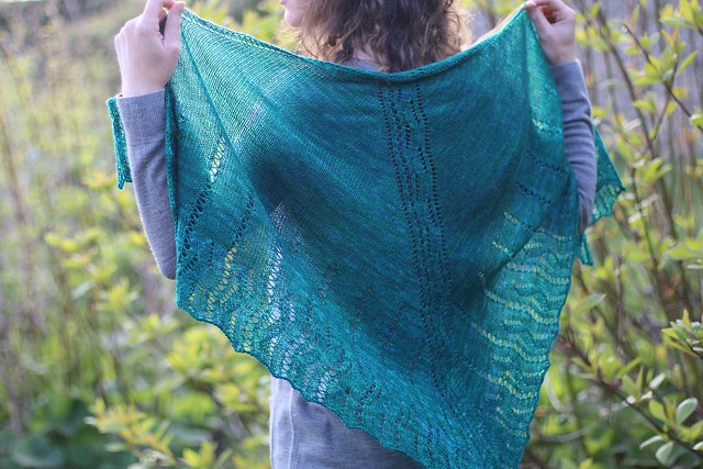 Feamainn Shawl by Carol Feller
