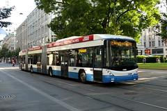 DGT 83 (V-Foto-Zrich) Tags: bus zrich trolleybus hess vbz verkehrsbetriebe zrilinie lightram bggtn2c