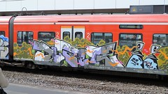 Graffiti (Honig&Teer) Tags: honigteer hannover spraycanart sport sbahn steel eisenbahngraffiti eisenbahn railroad railroadgraffiti railways train treno trackside traingraffiti trainart vandalism bombing graffiti