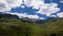 Landscape of my dreams (Yoli in Wonderland) Tags: sky naturaleza mountains verde green nature field grass clouds landscape nikon paisaje tokina nubes campo montaa pyrenees pirineo granangular hierba 1116