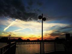 2016-08-10_10-36-34 (beatrizluciowfrossard) Tags: canarywharf london sunset red sky beautiful