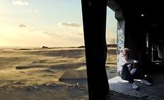 insideout (kann's einfach nicht lassen...) Tags: light strand licht ruine mann ausblick vielschichtig verlasseneorte doppellagig viertewand