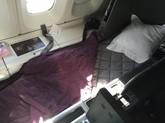 QF B744 (Luis Fernando Linares) Tags: business qantas 747400 boeing paxex avgeek aviation vhoju