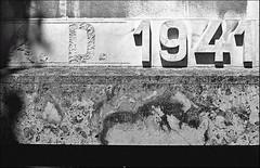 dalla parte sbagliata si muore ... ;/) (schyter) Tags: camera bw slr geometrico 35mm lens monocromo kodak trix bn negative homemade e 400 soviet epson format ttl v600 135 minimalismo astratto kiev lightmeter bianco arsenal negativo development nero architettura bianconero onboard 250 analogica colonna lodi analogic trama linee blackwithe allaperto 24x36 diagonali adox adonal 320iso kiev19m argentica nikonbayonet arsath homemadescanned 19m