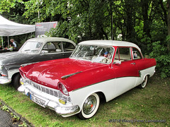 Ford Taunus 17 M, 1959 (linie305) Tags: dortmund spielbank kasino casino ruhrgebiet ruhrarea syburg hohensyburg auto autos car cars classic classics oldtimer oldcars automobil fahrzeuge radfahrzeuge ford taunus 17m 1959 german