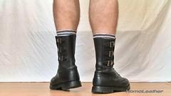 SEGARRA 3 buckles boots (foto 03) (HomoLeather) Tags: leather socks boots socken leder bottes botas cuero calcetines bota cuir segarra chaussettes hebilla    homoleather