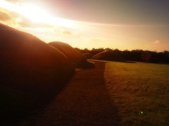 Bru Na Boinne (Knowth the great mound) (jwhiteireland) Tags: dusk knowth neolithic tombs ireland meath
