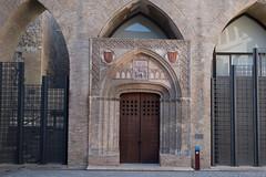 Semi fancy door (petyr.rahl) Tags: spain aljafería zaragoza aragón es