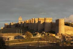 vila (gasendi) Tags: espaa canon spain avila murallas cuatropostes eos450d gasendi