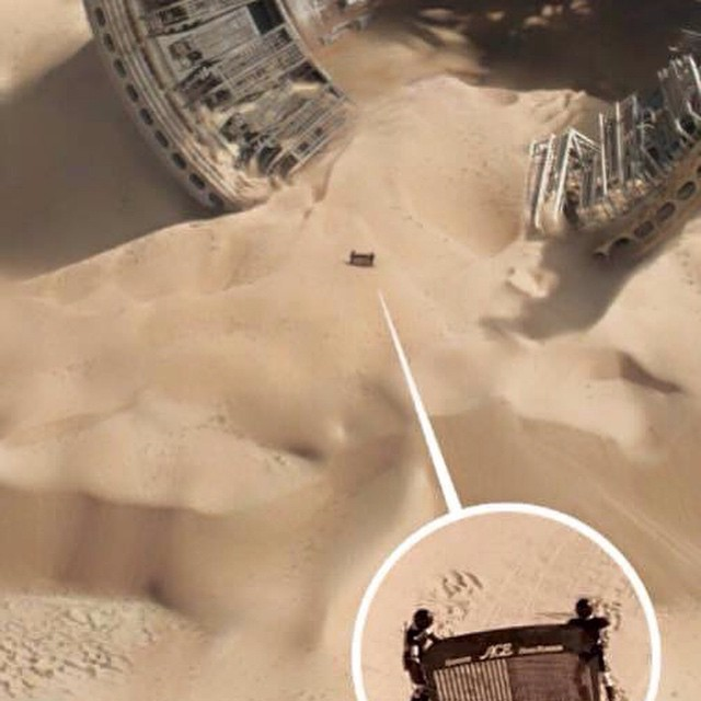 CGI artists seem to have fun at the new Star Wars movie. :) #starwars #spaceballs #combthedesert #starwarstrailer2