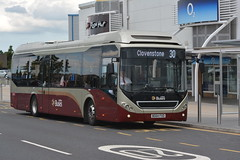 31 (Callum's Buses & Stuff) Tags: southclarkstreet south man hybrid 7900 road lothianbuses lothian edinburgh edinburghbus bus volvo bt64lhu madderandwhite madderwhite madder mader iron volvobus fort kinnaird