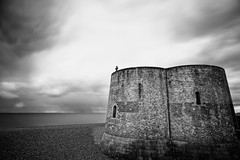 Martello Tower, Aldeburgh, UK (Jonathan Casey) Tags: zeiss suffolk nikon aldeburgh gormley 21mm d810 anothing