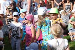 Yleisöä Krokotiili Kwento -lastenkonsertissa