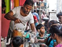 Kolkata - Have a chai (sharko333) Tags: travel voyage reise street india indien westbengalen kalkutta kolkata  asia asie asien people portrait man beard child tee chai olympus em1